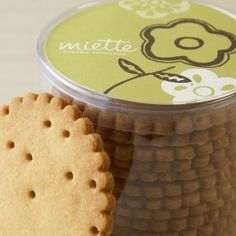 miette graham crackers are the best! Diy Cookie Packaging, Food Packaging, Graham Cracker Cookies, Graham Crackers, Sweet Things Bakery, Just Desserts, Delicious Desserts, Brown Sugar Cookies, Best Cookies Ever
