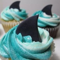 love these shark cupcakes