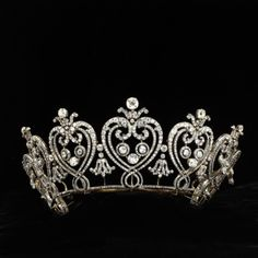 The Manchester Tiara by Cartier ca. 1903. The Victoria & Albert Museum.