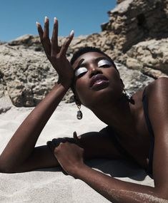 Model Maria Borges radiates intense summer beauty with bold accessories lensed by Paul Scala for Grazia UK's July 2019 cover story./ Makeup by Mel Arter; hair by Mark Francome Painter Photography For Beginners, Creative Photography, Amazing Photography, Fashion Photography, Beach Photography, Beach Editorial, Editorial Fashion, Best Black, Black And White