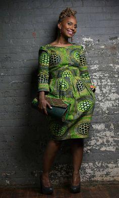 La jupe imprimée African Tulip est fabriquée à partir de belle cire néerlandaise. Jaunes, des bleus et des verts riches en fait la jupe parfaite