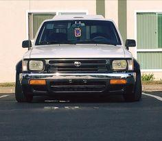 Toyota R, Toyota Trucks, Toyota Hilux, Toyota Tacoma, Custom Chevy Trucks, Pickup Trucks, Drift Truck, Nissan Hardbody, Lowrider Trucks