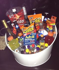 21st birthday survival kit.. i am not opposed if someone wants to make me one of these when i turn 21. just saying