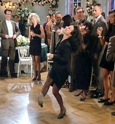 Elaine dancing *still* cracks me up
