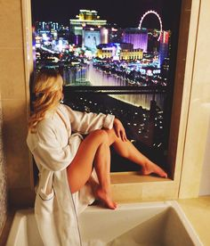 The Cosmopolitan Las Vegas – Kira Canadian Girl Las Vegas Girls, Vegas Casino, Las Vegas Outfits, Casino Outfit, Las Vegas Pictures, Vegas Birthday, Las Vegas Vacation, Las Vegas Weddings, Canadian Girls