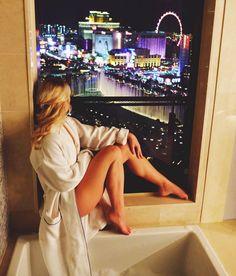 The Cosmopolitan Las Vegas – Kira Canadian Girl Sugar Baby, Las Vegas Girls, Las Vegas Outfits, Casino Outfit, Las Vegas Pictures, Vegas Birthday, Las Vegas Vacation, Canadian Girls, Las Vegas Weddings