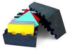 Box 366 - color card set - un peu comme un nuancier pantone, 366 cartes de couleur pour tester des associations de couleurs - niggli - 160€