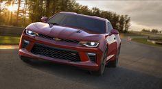 Chevrolet a produit laCamarojuste pour concurrencer Ford et la Mustang depuis la fin des années 60. Donc, avec la nouvelle Ford disponible depuis quelques mois, la nouvelle Chevrolet se faisait attendre et la voici enfin! 3 moteurs, dont un 4 cylindre turbo sont de la partie.