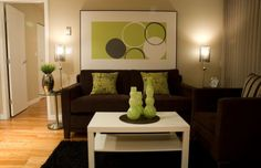 Green accents appear far more appealing with the right lighting