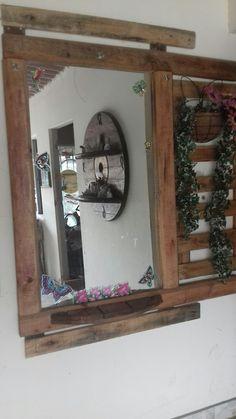 Espejo con madera reciclada