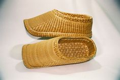 China Sons Woven Wicker Shoes