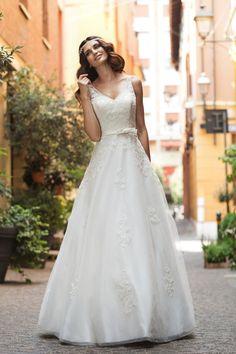 Robe de mariage Vestidos de boda tulle V-neck sweep train appliques ball gown Wedding Dress 2015 NO.580#wedding dress