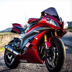 Can't get enough of that candy red! @streetbikesforever #SportBikeLife #Yamaha