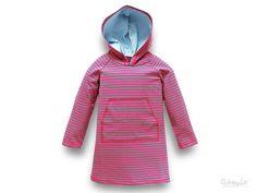 Sommer, Sonne, Strand & Meer! Und was ziehen wir an??? Natürlich unser super bequemes pink/grün geringeltes Strandkleid mit gemütlicher, hellbl...
