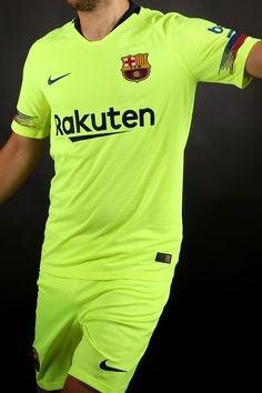 Segunda equipación del FC Barcelona para la temporada 2018-2019. Foto   Marcela Sansalvador 56ba3695291