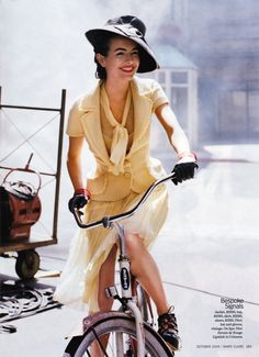 Camille Belle - vintage fashion - red lips - riding gloves