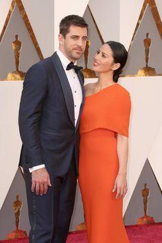 Pin for Later: Ces Couples de Célébrités Ont Mis le Feu au Tapis Rouge des Oscars Aaron Rodgers et Olivia Munn