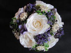 Hochzeitsdeko - Brautstrauß - ein Designerstück von SarahsSeidenblumenStudio bei DaWanda