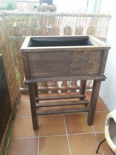 tischbeet oder kistenbeet ein hochbeet mal anders. Black Bedroom Furniture Sets. Home Design Ideas