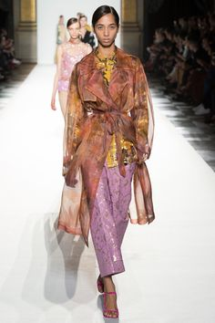 Dries Van Noten Spring 2018 Ready-to-Wear  Fashion Show Collection