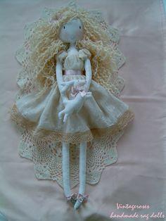 https://flic.kr/p/Cf8iXY | Handmade rag doll | Handmade rag doll.Waldorf doll.Soft doll. Custom home-made rag dolls, bags, vanity vintage style lovers. tildaskedvenc.blogspot.hu/