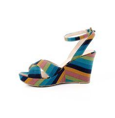 Daha çok renk, daha çok :))Gökkuşağı Dolgu Topuk Sandalet