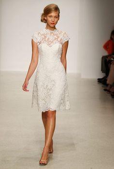 Image from http://weddingplusplus.com/wp-content/uploads/2015/09/wedding-dress-ideas-for-mature-brides.jpg.