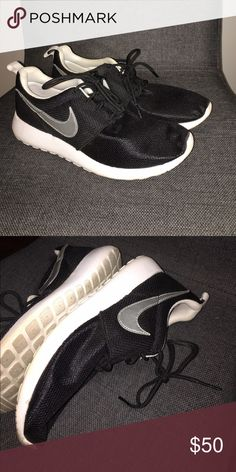 Nike Roshe 1 Worn once, great condition Nike Shoes Sneakers