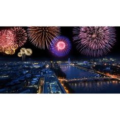 London firework displays - Bonfire Night 2014 - New Year's Eve... ❤ liked on Polyvore featuring backgrounds, frames & background and glitter
