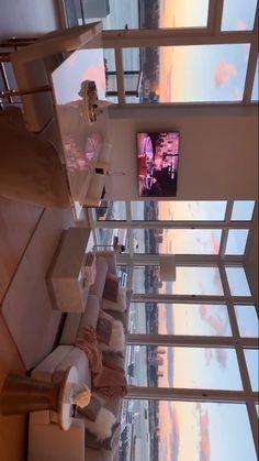 Blick auf New York ✨ - Room - Haus Design Dream Home Design, Home Interior Design, House Design, Interior Plants, Dream Apartment, Apartment Goals, Apartment View, York Apartment, Girl Apartment Decor