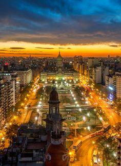 Plaza de los Dos Congresos, el Congreso Nacional al fondo, y la cúpula del edifico La Inmobiliaria. Buenos Aires of Argentina