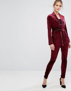 Discover women's pants with ASOS. Shop for the latest chinos, leggings and pants with ASOS Trousers Women, Pants For Women, Clothes For Women, Women's Trousers, Skinny Pants, Skinny Fit, Latest Fashion Clothes, Fashion Online, Tall Pants