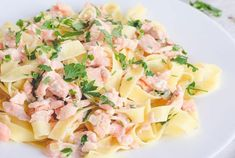 Tagliatelle with salmon and lemon WW - Dish and Recipe - Tagliatelle with salmon and lemon WW, recipe for a tasty pasta dish very fragrant, simple, quick an - No Salt Recipes, Ww Recipes, Quick Recipes, Salmon Recipes, Healthy Recipes, Light Summer Meals, Weigth Watchers, Weight Watchers Diet, Batch Cooking