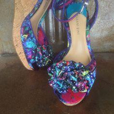 💟💟Almost New Gianni Bini Summer Fun Shoes💟💟 🌸 Gorgeous like new Gianni Bini  Wedge🌸FINAL PRICE 💟💟💟💟Like New worn once🍧🍧❤️💟 📦📦 Ship next day🇺🇸🇺🇸 SUPER SALE🇺🇸🇺🇸 Gianni Bini Shoes Wedges