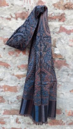 Pashmina Scarves give a completeness to your outfit with attractiveness. Online shopping of Pashmina scarves is an easy sense give a lot of range of quality products at Navyasfashion.