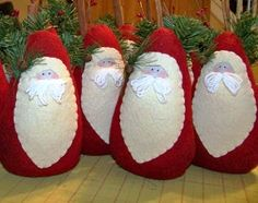 Craft time for xmas! Christmas Makes, Noel Christmas, All Things Christmas, Handmade Christmas, Christmas Projects, Felt Crafts, Holiday Crafts, Santa Crafts, Felt Christmas Ornaments