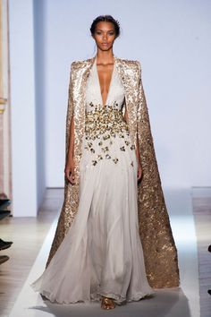 the dress, not the cape > Zuhair Murad - Haute Couture Spring 2013 Style Couture, Couture Fashion, Runway Fashion, Fashion Show, Net Fashion, Couture Week, Couture 2015, Spring Couture, Fashion Spring