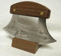 Alaskan Inupiat Style Walnut Ulu Knife with Pipeline Etched Blade & Display Stand Leather Working, Metal Working, Ulu Knife, Kydex, Wooden Blocks, Knife Making, Cool Gadgets, Alaska, Blade