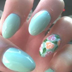 My adorable mint nails for spring