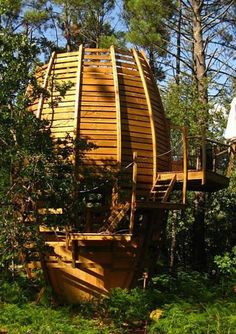 Not exactly a hotel but a very original way to spend the night in France! This is one of Cap' Cabanes' pine-cone shaped rooms in the Landes forest Stay In A Treehouse, Treehouse Hotel, Hotels In France, Timber Structure, Unusual Homes, Wooden Cabins, Outdoor Seating Areas, Garden Buildings, Architecture Details
