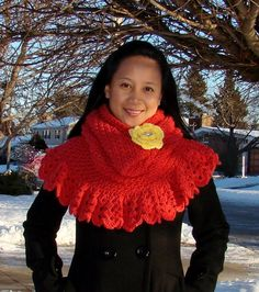 Star Stitch Hoodie Capelet with Detachable Flower Brooch by jempanzee - Isn't this just cheery and beautiful? Crochet Scarves, Crochet Hats, Stitch Hoodie, Star Stitch, Capelet, Free Crochet, Crochet Ideas, Flower Brooch, Everyday Outfits