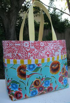 Oil Cloth Tote - I can't find a tote I like, so it's time to crank up the sewing machine....