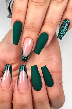 Green Nail Designs, Winter Nail Designs, Acrylic Nails Coffin Short, Best Acrylic Nails, Coral Acrylic Nails, Stylish Nails, Trendy Nails, Emerald Nails, Dark Green Nails