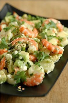 Salade crevettes, coeur de palmier, avocat & feta citron vert coriandre