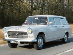 Peugeot 404 Break '1962–78 Maintenance/restoration of old/vintage vehicles: the material for new cogs/casters/gears/pads could be cast polyamide which I (Cast polyamide) can produce. My contact: tatjana.alic14@gmail.com