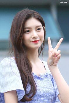 pretty as fuck South Korean Girls, Korean Girl Groups, Filipina Girls, Mixed Girls, China Girl, My Princess, Korean Beauty, Girls Generation, Kpop Girls