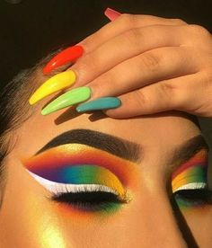 Rainbow make up 🌈🖤 Makeup Eye Looks, Eye Makeup Art, Crazy Makeup, Cute Makeup, Gorgeous Makeup, Pretty Makeup, Skin Makeup, Makeup Inspo, Eyeshadow Makeup