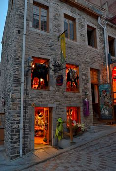 Old Quebec City, Quebec, Canada:  have been here!  It's like being in Europe!  <3