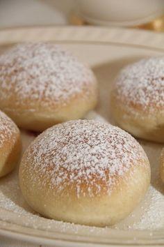 My Little Kitchen: Vaniljeboller Sweets Cake, Little Kitchen, Bread Rolls, Let Them Eat Cake, No Bake Cake, Desserts, Recipes, Vanilla, Breads
