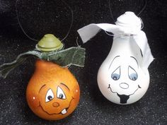 halloween craft with recycled light bulbs